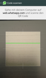 Den QR-Code mit dem Smartphone vom Computer-Monitor scannen.