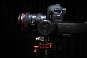 Die Kamera kann je nach Situation beliebig verstellt werden.